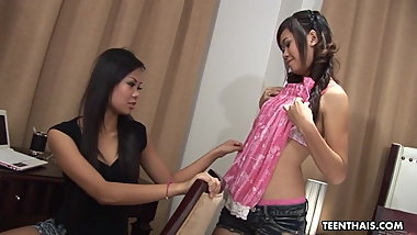 Thai gals, Eve and Pai like making love with each other