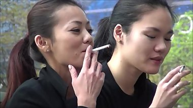 Four Candid Smoking Asian Girls - High Quality