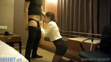Chinese Office Slut Fucks With Boss