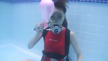 Asian Scuba Girl Balloon