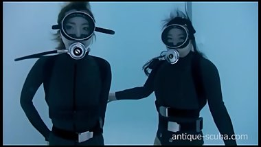 asian scuba girls