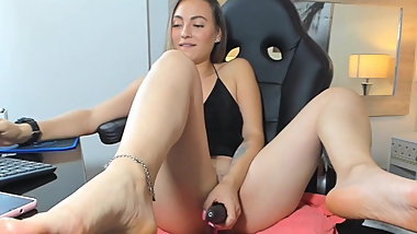 Sexy Asian American 20yr old plays with her wet pussy