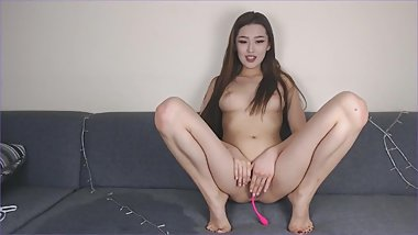 asian masterbate with brown dildo