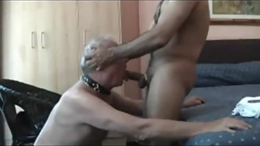 Slave nice grandpa sucking asian cock (old video)