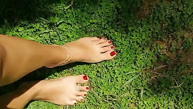 Beautiful sl feet nails