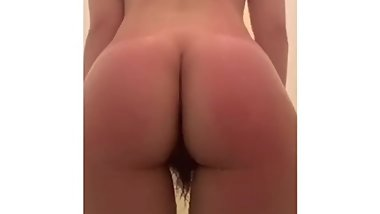 Chinese big ass wet holes in shower - OnlyFans@bunnybuns25