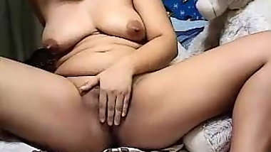 rocyl showing her sexy boobs and pussy on cam